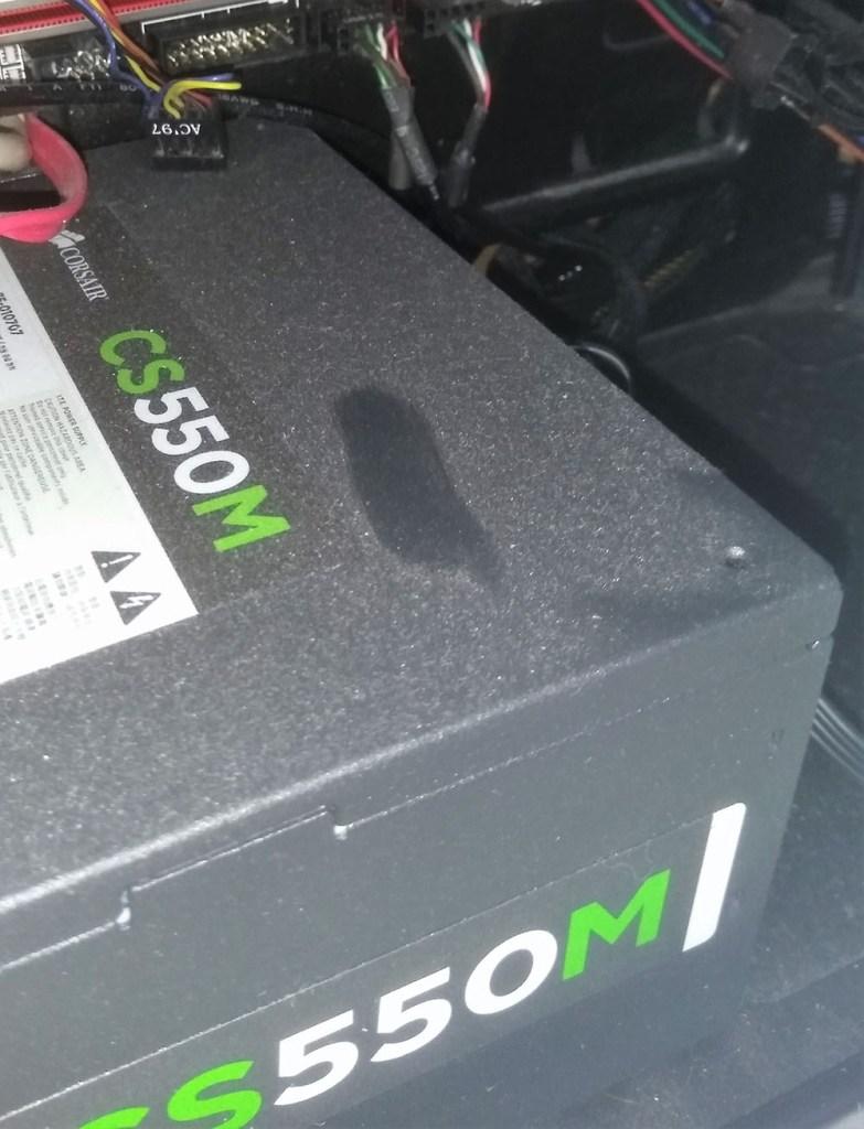 Gran cantidad de polvo que limpiar en el ordenador