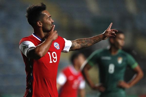 Chile venció a Bolivia en el debut de Martín Lasarte