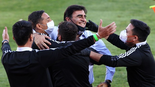 Gustavo Quinteros sonríe ante el presente de Colo Colo