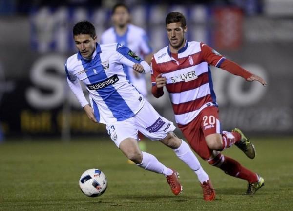 Omar Ramos ante el Granada