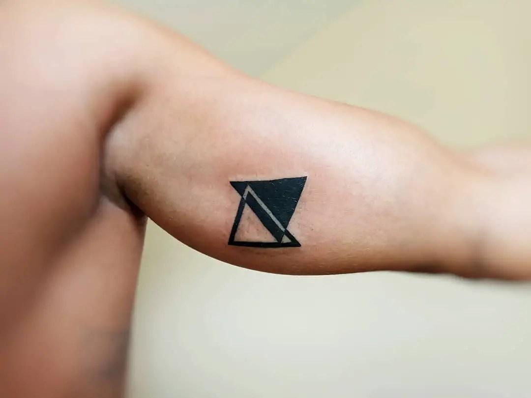 Tatuajes De Triángulos Para Hombres 35 Diseños Hipster Llenos De