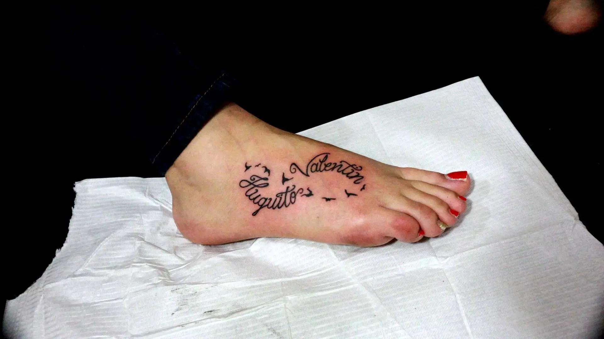 Amor De Madre 27 Ideas De Tatuajes De Nombres De Hijos Para Mamás