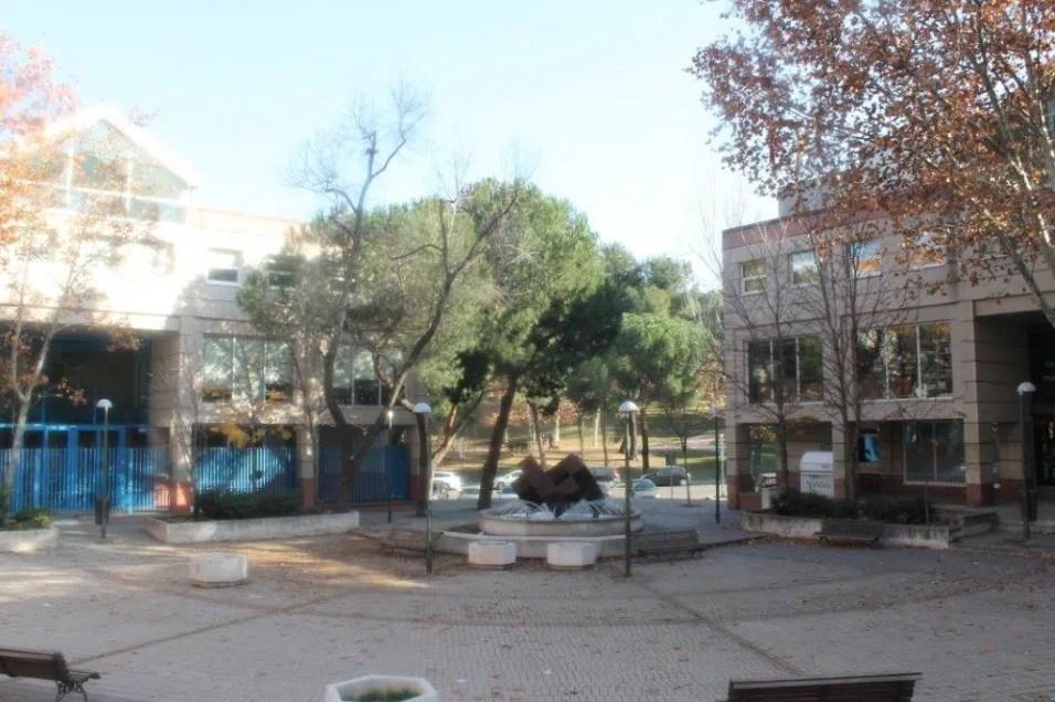 Exterior Somos Psicología y Formación Madrid San Blas