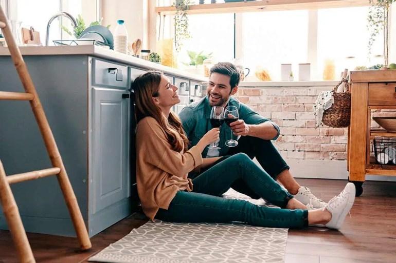 parejas-felices-bienestar-mutuo