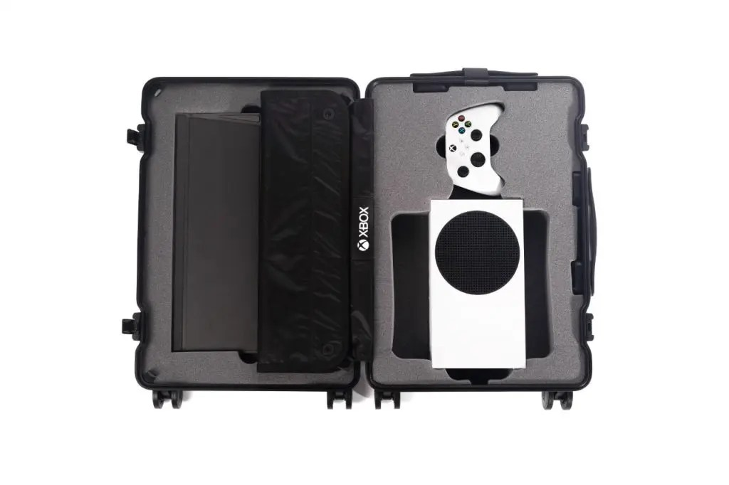 Suitcase designed for the Xbox Series S