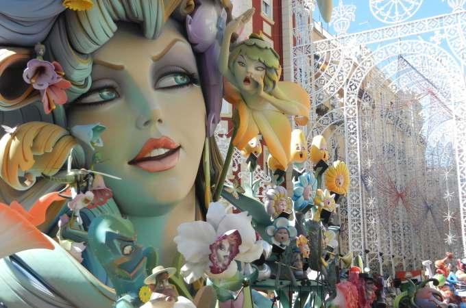 Las Fallas - 9 Experiences You Must Have in Spain
