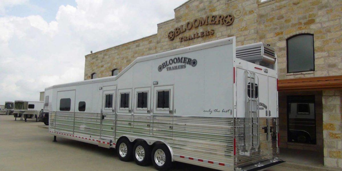 Bloomer-Trailers-Display-2015