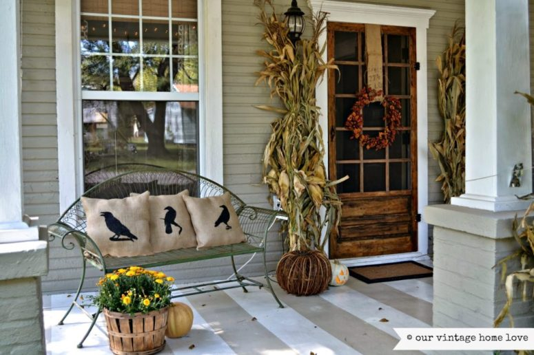 Fall-home-decor-front-porch-fall pillows