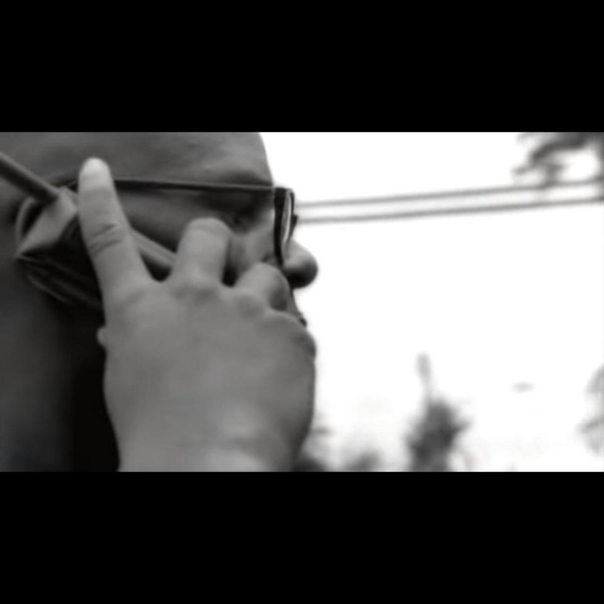 R. Kelly - I Can't Sleep Baby (If I) (Remix) (Thumbnail)