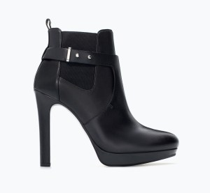 Combined leather high heeled bootie