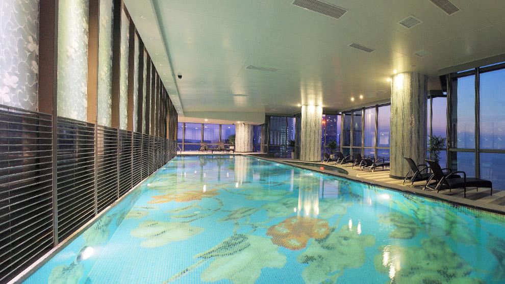 大陸置產「青島遠雄國際廣場」- 無邊際游泳池