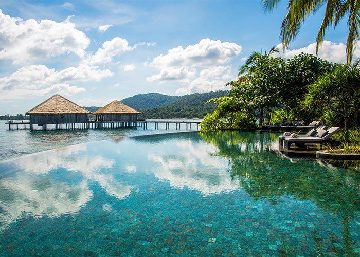 カンボジア島の高級5つ星リゾートプライベートビーチ