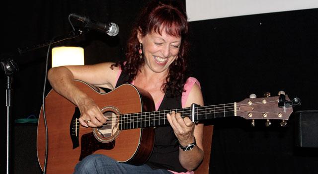 Songwriting Live, Bristol – Hilary Pavey