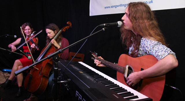 Songwriting Live – Lewis Creaven is joined by Beth  Porter and Gina Gillian
