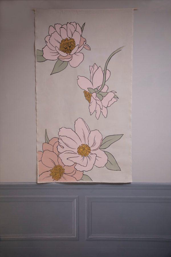 Scenografia d'interni fiori rosa grafici