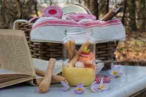 Cubotti di salmone con yogurt greco albicocca e curcuma
