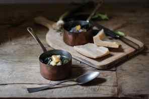 Zuppa di cipollotti e cavolo nero