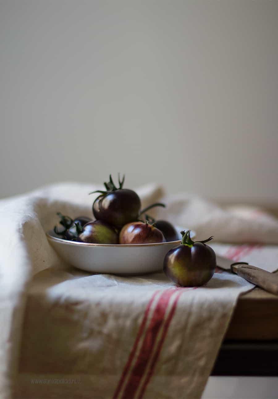 Pomodori neri di sicilia