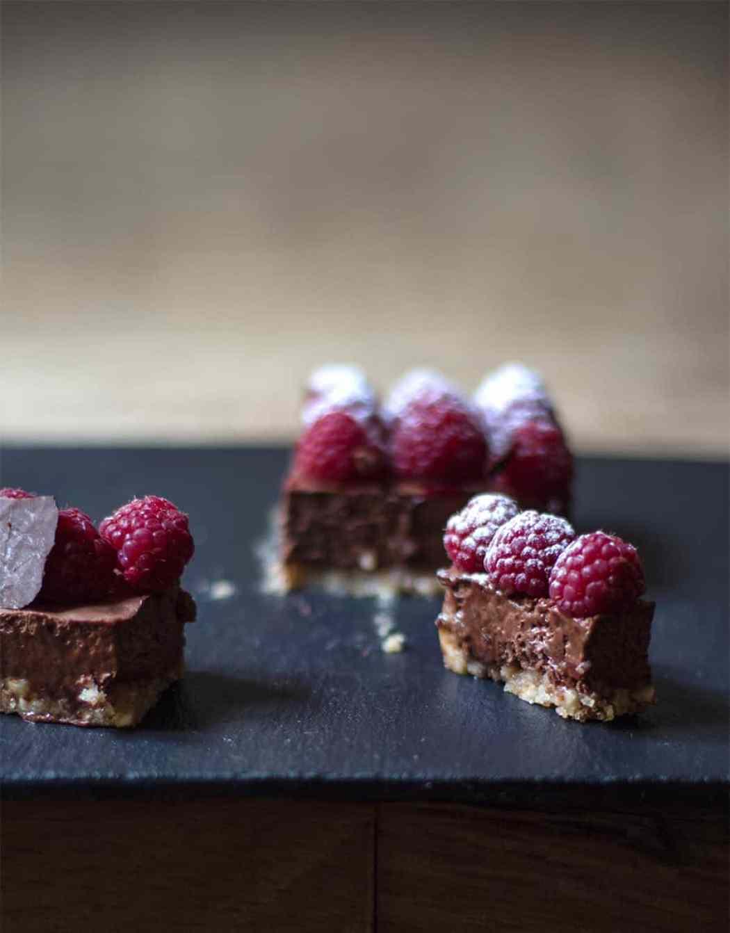 torta con lamponi e cioccolato fondente