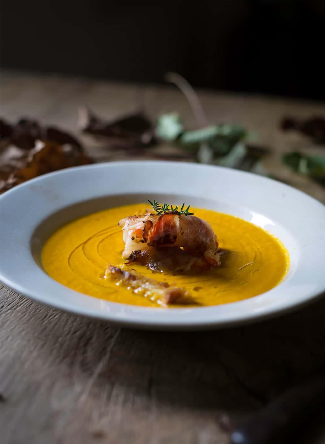 vellutata di carote con gamberi