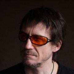 Robert (voc/bass)