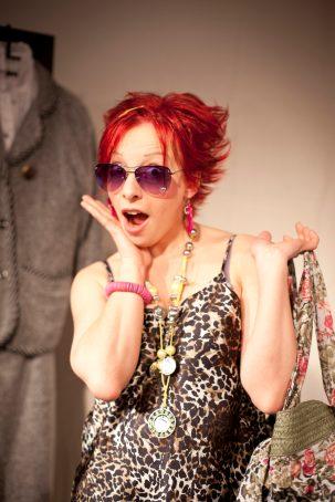 """Sonni Maier in """"Bitte wenden!"""", Bewerbungstraining als interaktive Impro-Theater-Show."""