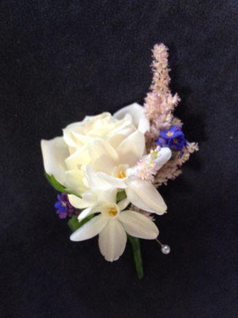 pretty buttonhole