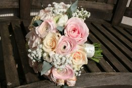 pink ranunculus and gypsophilia bouquet