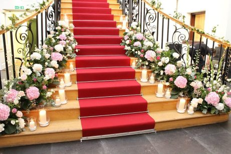 Staircase flowers at Botleys Mansion