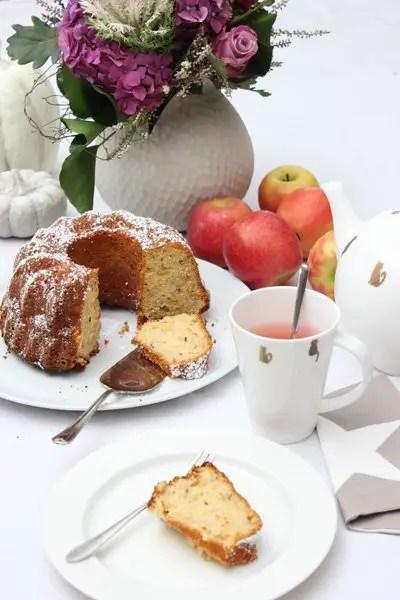 Apfel-Gugelhupf Rezept – saftig und fruchtig | Low Carb und Glutenfrei