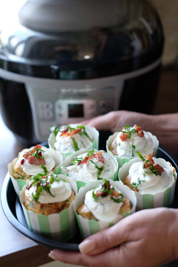 Bärlauch-Bacon Muffins mit Bärlauch Frosting- Mit der Klarstein VitAir Turbo Heißluftfritteuse