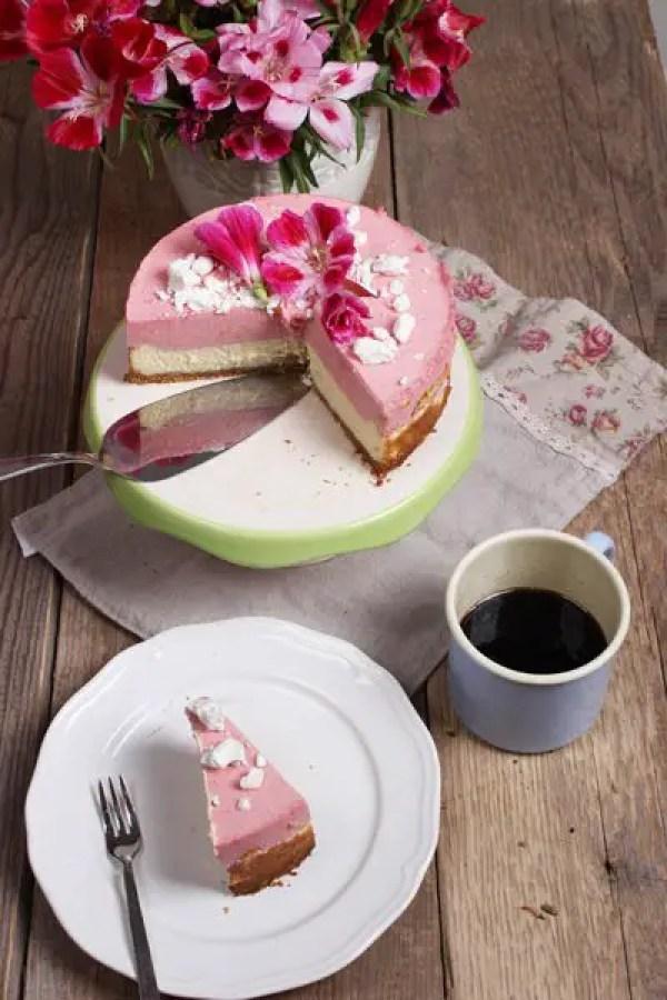 Cremiger und himmlischer Cheesecake mit Himbeersahne