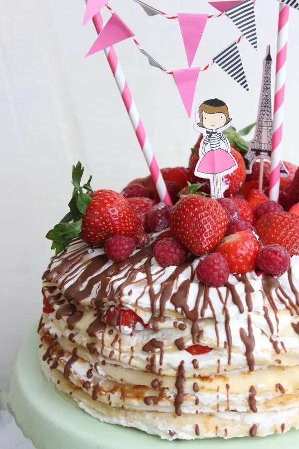 Eine Crêpe-Torte mit Erdbeeren für alle Kalorienbewussten mit dem Crepes-Maker