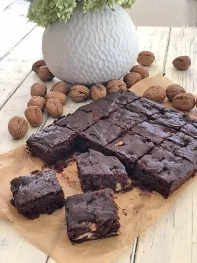 Die leckersten Walnuss-Brownies | Low Carb und zuckerfrei