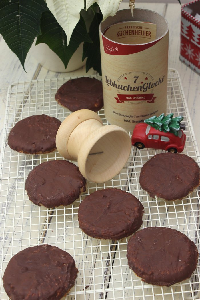 Klassisches Elisenlebkuchen Rezept mit Schokolade überzogen - Ohne Mehl!