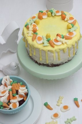 Oster-Drip Cake: Orangen-Schokoladentorte mit einem Crunch Boden & Drip Effekt