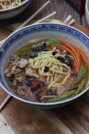 Ramen Tonkotsu Suppe | Herzhafte Ramen Variante