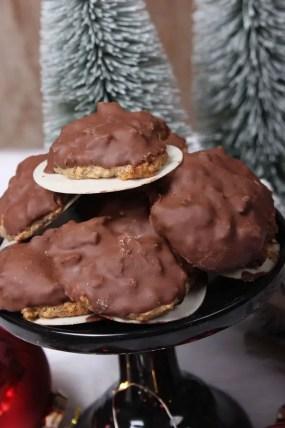 Klassisches Elisenlebkuchen Rezept mit Schokolade überzogen ohne Mehl