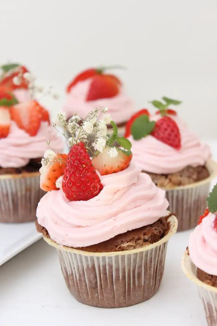 Schokoladen-Erdbeer-Cupcakes