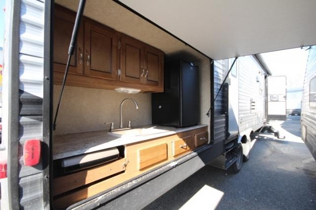 rv slide xr650r wiring diagram 2018 coachmen catalina sbx 321bhdsck double bunkhouse outdoor kitchen outside ...