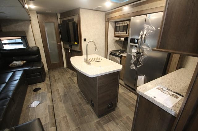 used kitchen on wheels for sale storage cabinets ikea 2018 mesa ridge trailer 328bhs rear bunk house 4 slides ...