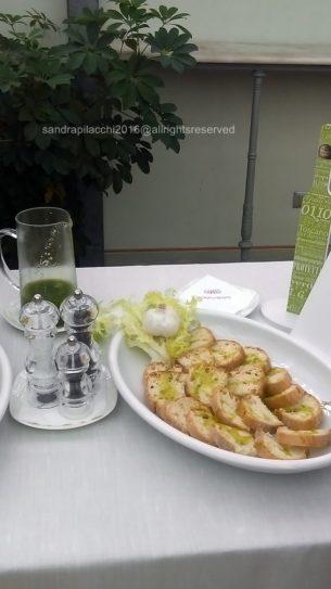 olio-extra-vergine-di-oliva-imag0461