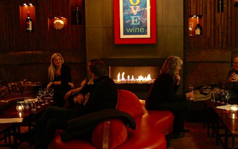 10 Cozy Restaurants With Fireplaces In Wine Country
