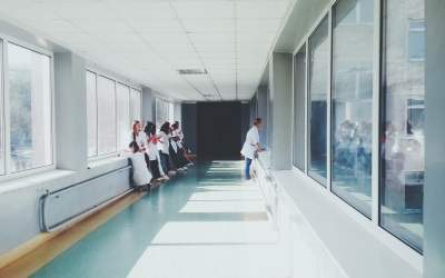 Por los pasillos del hospital