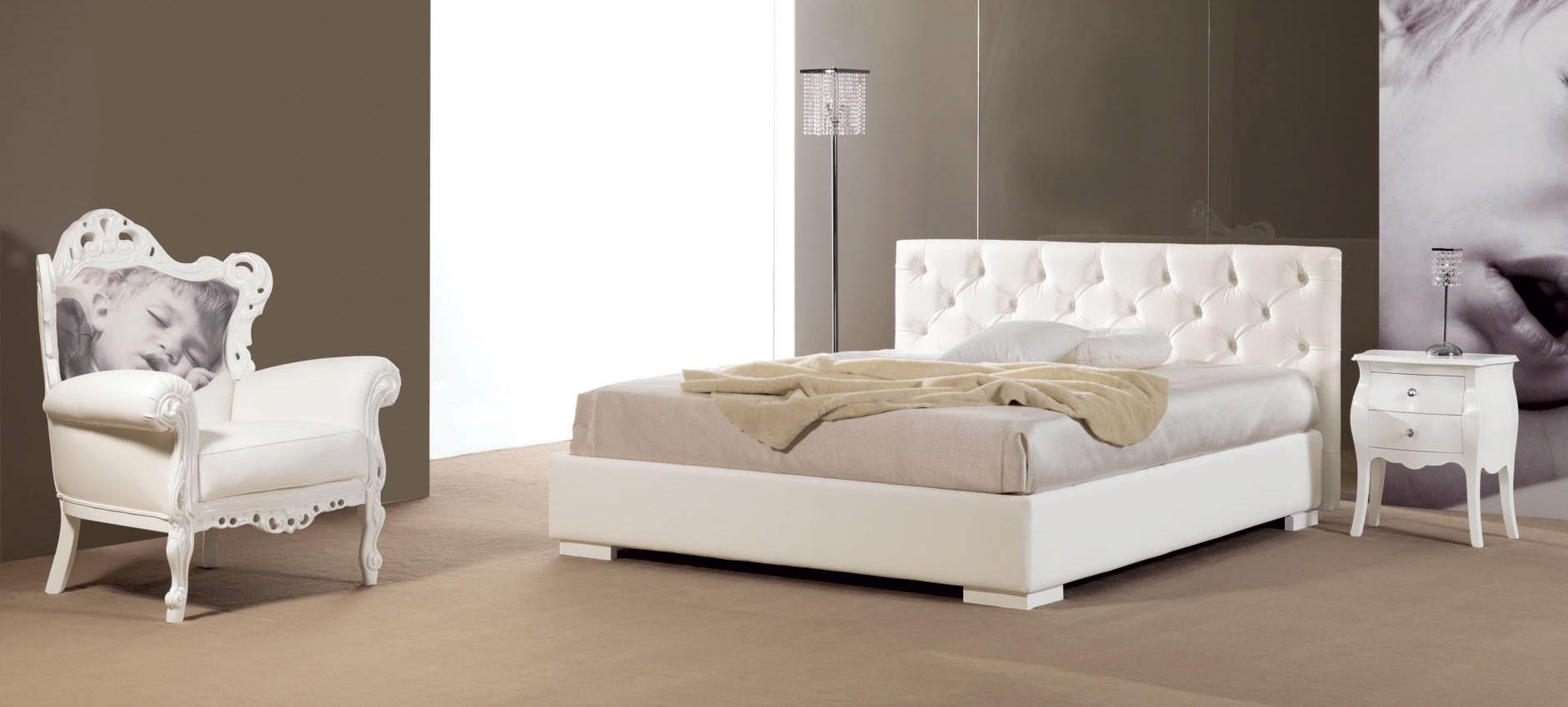 Lit double avec tte de lit capitonn simili cuir  PIERMARIA SO NUIT