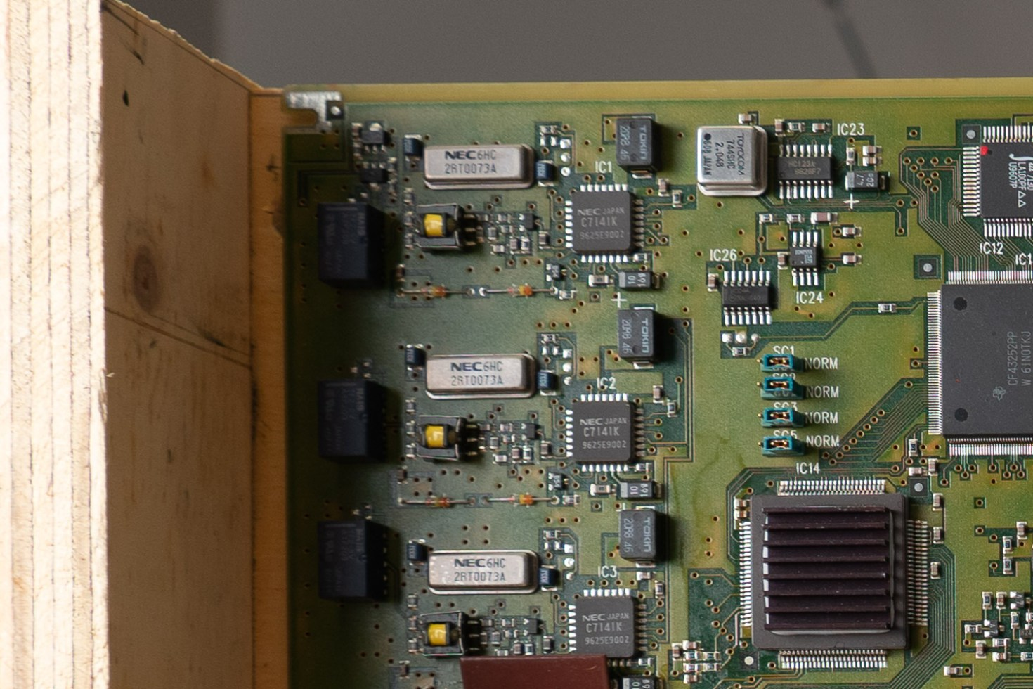 Sony A6500 w/ Sony 18-135mm f/3.5-5.6 OSS Lens @ 18mm, f/3.5
