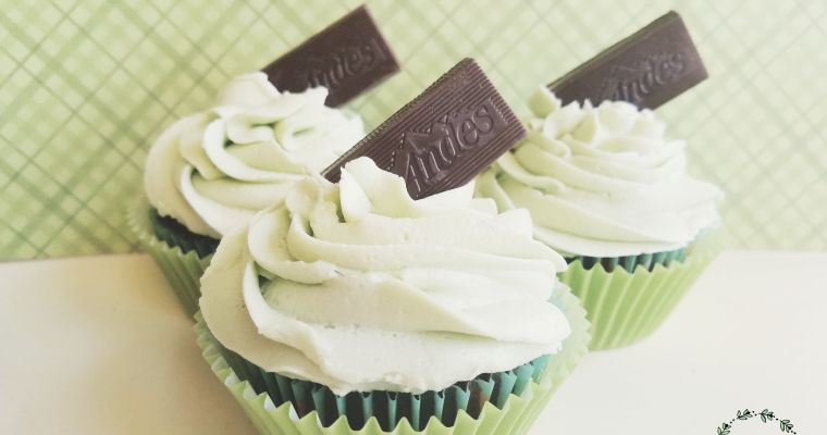 Easy Chocolate Cupcakes With Mint Buttercream Frosting