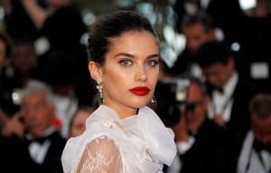 Sara Sampaio deixou toda gente de queixo caído em Cannes por causa do vestido!