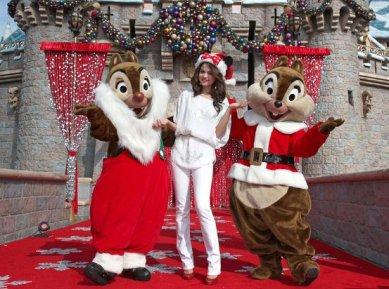 celebrity-christmas-costume