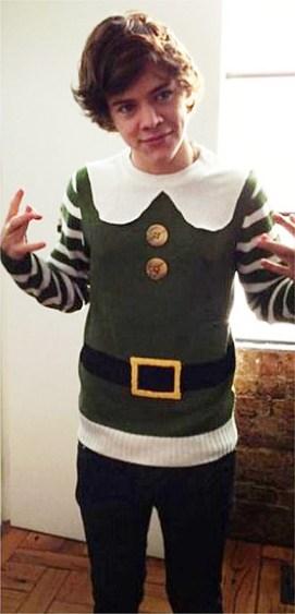 one-direction-harry-styles-festive-christmas-elf-pics-3
